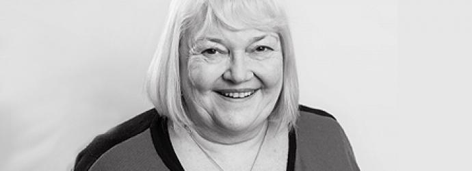 Head shot of Elaine Simpson